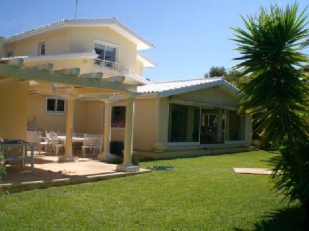 Image 1, 6 Bedroomed Villa : AV922