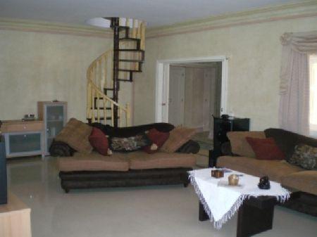 Image 3, 6 Bedroomed Villa : AV922