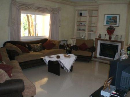 Image 4, 6 Bedroomed Villa : AV922