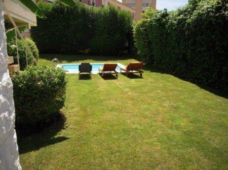 Image 2, 6 Bedroomed Villa : AV1181