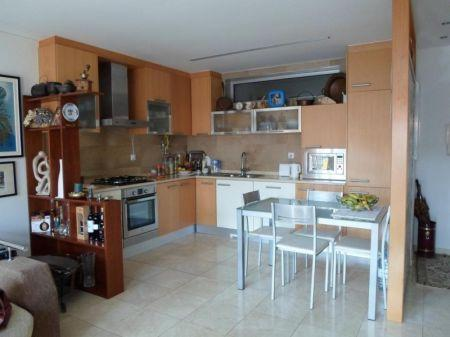 Image 2, 2 Bedroomed Apartment : AA188