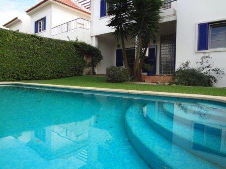 Image 2, 6 Bedroomed Villa : AV1225