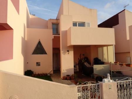 Image 1, 3 Bedroomed Villa : AV1433