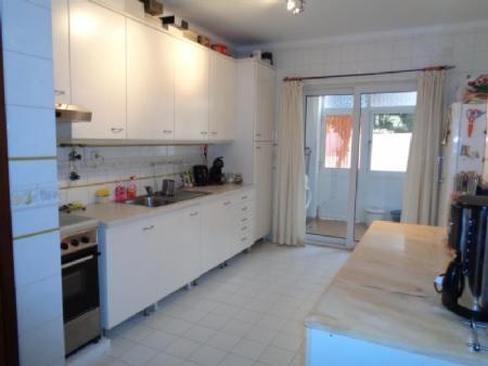 Image 2, 3 Bedroomed Villa : AV1433