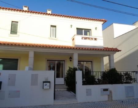 Image 1, 4 Bedroomed Villa : AV1616