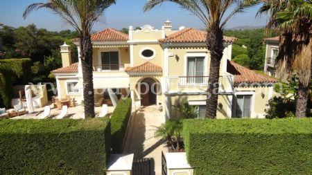 Image 2, 4 Bedroomed Villa : DV6124