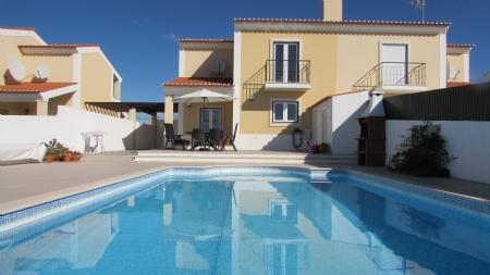 Image 1, 3 Bedroomed Villa : AV1620