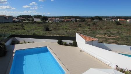Image 2, 3 Bedroomed Villa : AV1620