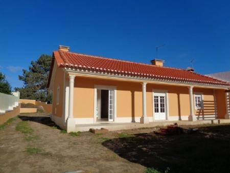 Image 1, 3 Bedroomed Villa : AV1619