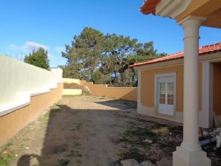 Image 2, 3 Bedroomed Villa : AV1619