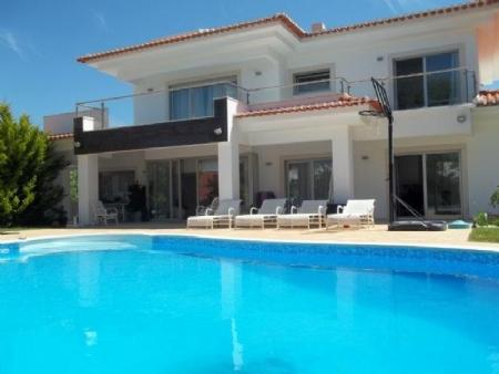 Image 1, 6 Bedroomed Villa : AV1621