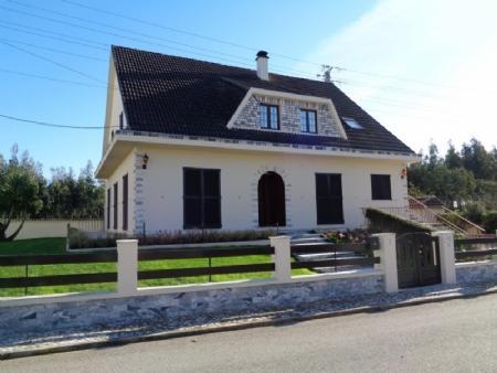 Image 1, 4 Bedroomed Villa : AV1444