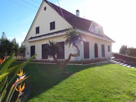 Image 2, 4 Bedroomed Villa : AV1444