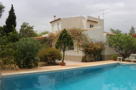 Image 1, 4 Bedroomed Villa : PV3190