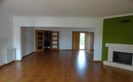 Image 3, 4 Bedroomed Villa : AV1474