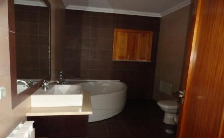 Image 6, 4 Bedroomed Villa : AV1474