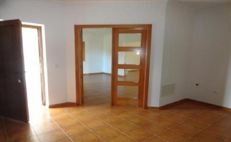 Image 10, 4 Bedroomed Villa : AV1474