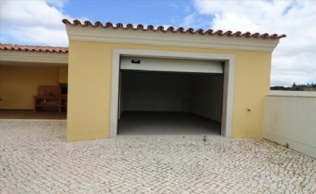 Image 25, 4 Bedroomed Villa : AV1474