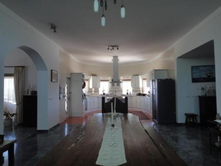 Image 5, 3 Bedroomed Villa : AV1481
