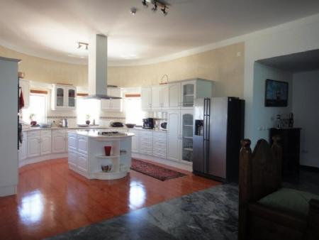 Image 6, 3 Bedroomed Villa : AV1481