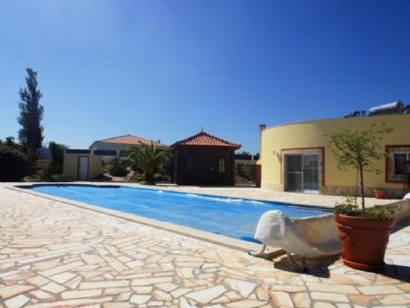 Image 3, 3 Bedroomed Villa : AV1481