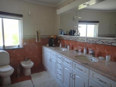 Image 17, 3 Bedroomed Villa : AV1481