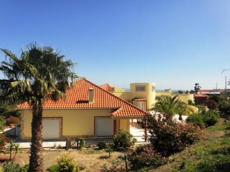 Image 27, 3 Bedroomed Villa : AV1481