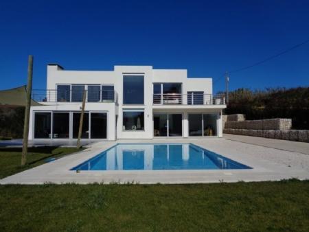 Image 1, 4 Bedroomed Villa : AV1494