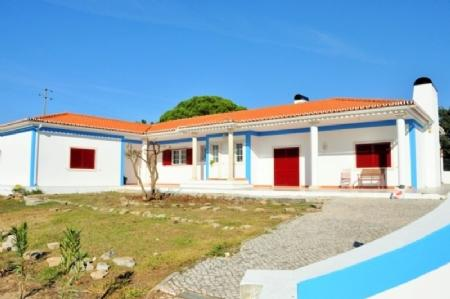 Image 1, 3 Bedroomed Villa : AV1490