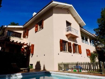 Image 1, 7 Bedroomed Villa : AV1492