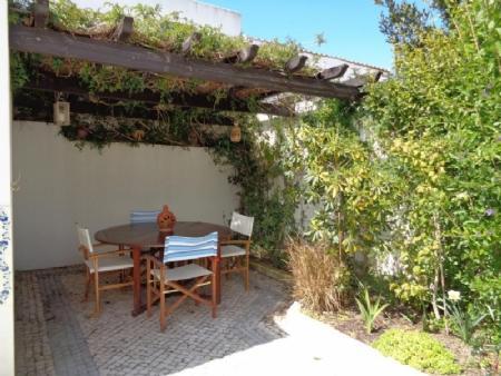 Image 2, 4 Bedroomed Villa : AV1501