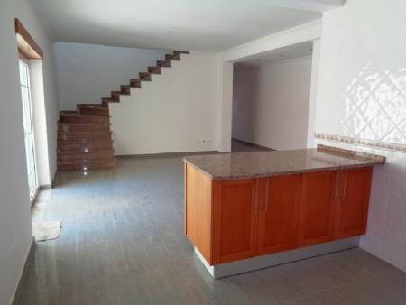 Image 4, 4 Bedroomed Villa : AV1505