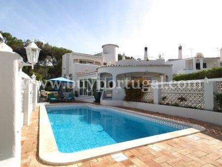 Image 1, 3 Bedroomed Villa : DV6085