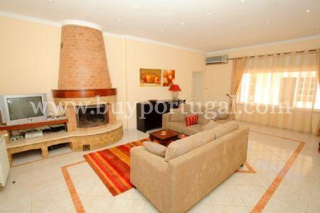 Image 3, 5 Bedroomed Villa : DV5984