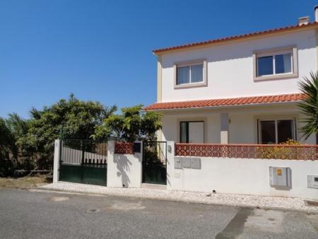Image 1, 3 Bedroomed Townhouse : AV1535