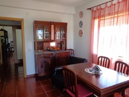 Image 4, 3 Bedroomed Townhouse : AV1535
