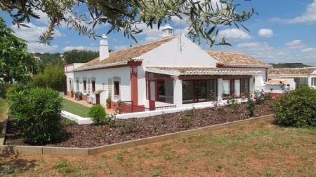 Image 1, 3 Bedroomed Villa : JV1700