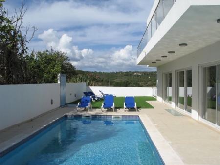 Image 1, 4 Bedroomed Villa : GV304
