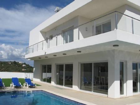 Image 2, 4 Bedroomed Villa : GV304