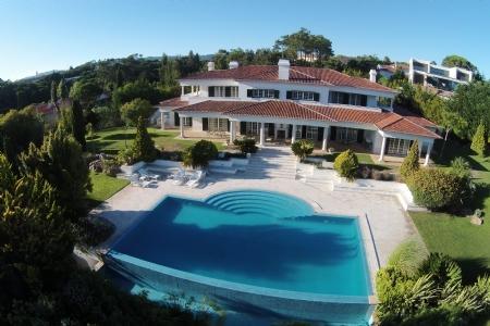 Image 1, 6 Bedroomed Villa : AV1557