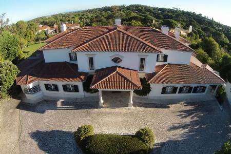 Image 2, 6 Bedroomed Villa : AV1557