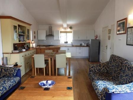 Image 4, 4 Bedroomed House : BV2257