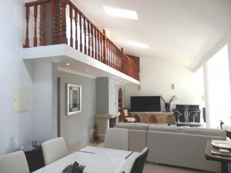 Image 3, 6 Bedroomed Villa : BV2235