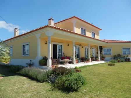 Image 1, 4 Bedroomed Villa : AV1562