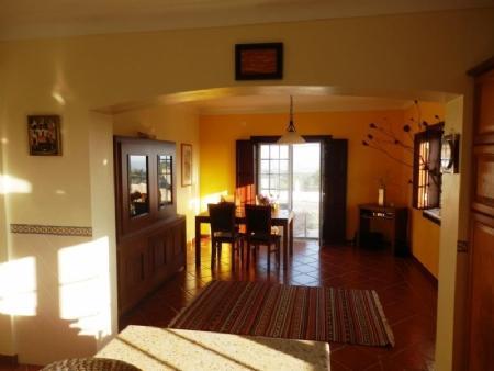 Image 4, 4 Bedroomed Villa : AV1562