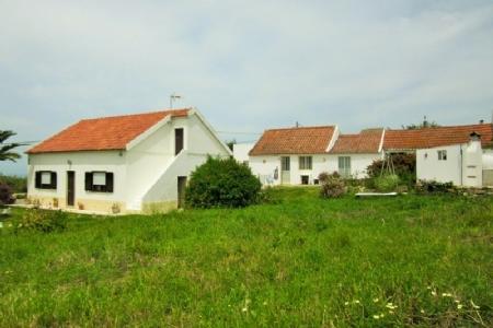 Image 3, 4 Bedroomed House : AV1561
