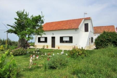 Image 1, 4 Bedroomed House : AV1561