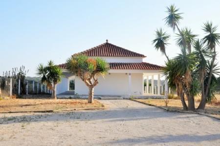 Image 1, 5 Bedroomed Villa : AV1574