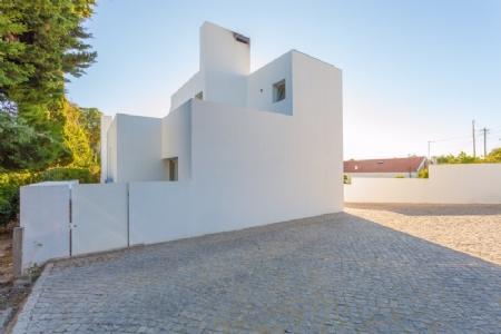 Image 1, 3 Bedroomed Villa : AV1575