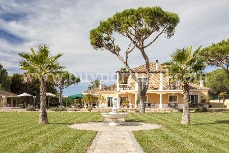 Image 1, 5 Bedroomed Villa : DV972